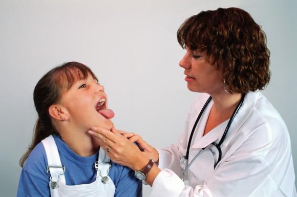 Стоит ли травить ребенка антибиотиками при ОРВИ