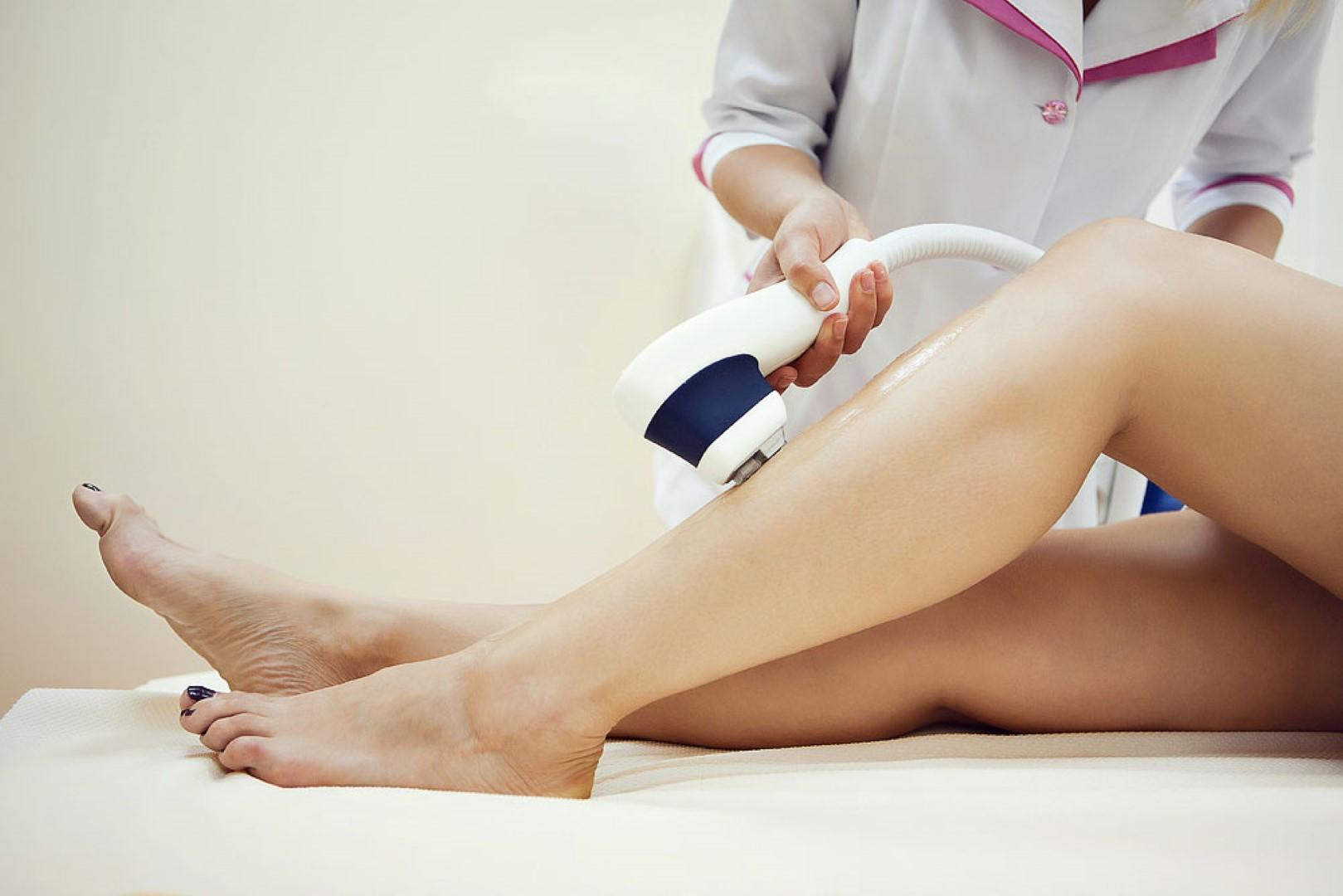 Проведение лазерной эпиляция в клинике медицинской косметологии «SENSAVI»