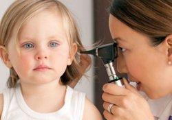 Отиты у детей: как вирусы простуды «сотрудничают» с возбудителями воспалений уха