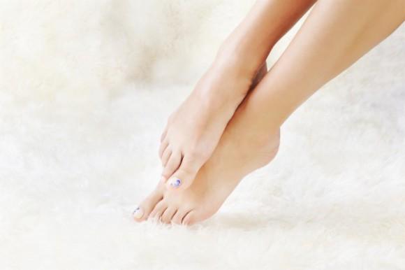 Холодные ноги увеличивают риск инфекционных болезней – эксперт