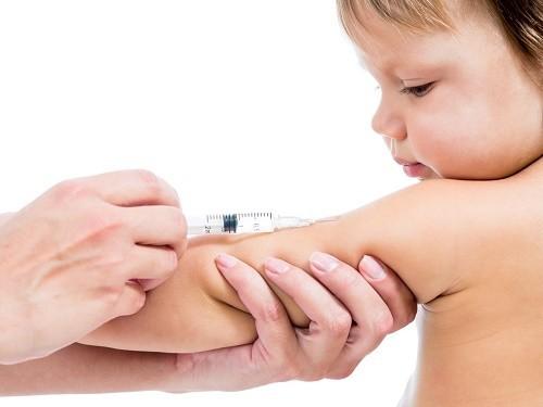Еще одно исследование опровергло связь вакцин с аутизмом