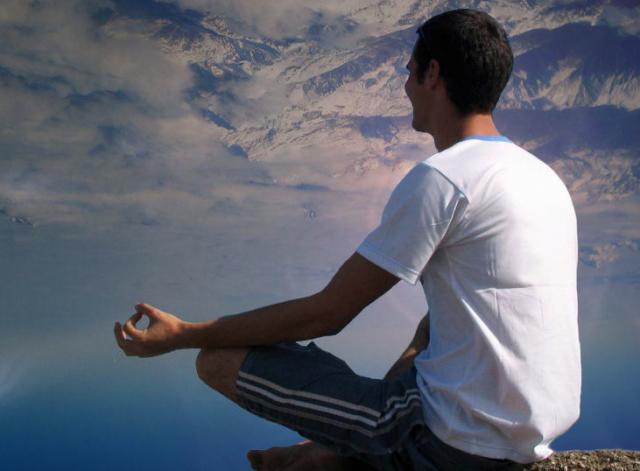 Медитация успешно борется с простудой и гриппом