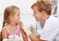 Вакцинировать всех детей без исключения: жесткий закон о прививках