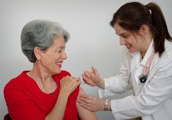Вакцинация трудоспособного населения от гриппа спасает жизни стариков