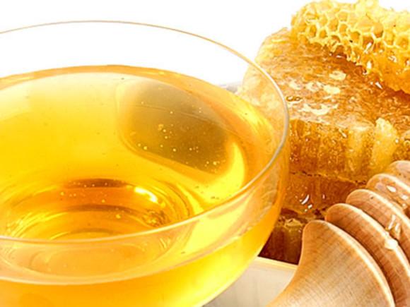 Мед способен заменить лекарственные препараты от простуды