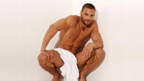 Пластика для мужчин: липосакция живота, подбородка и груди