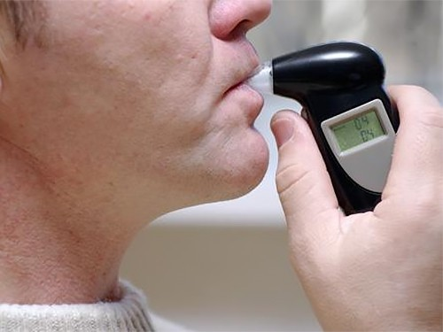 Простой тест определит пневмонию по выдоху