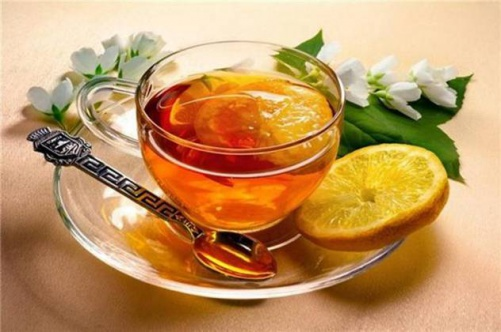 Что пить при простуде, чтобы быстрей ее одолеть?