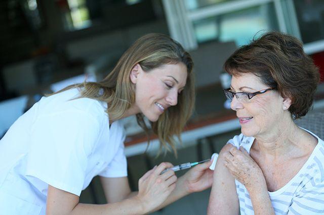 «Если надо — уколюсь!» Как подготовиться к вакцинации от гриппа?