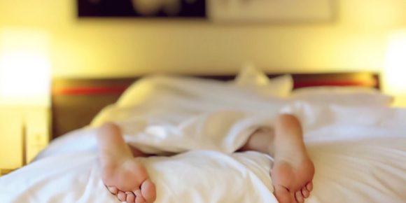 Хронический недосып приводит к простуде