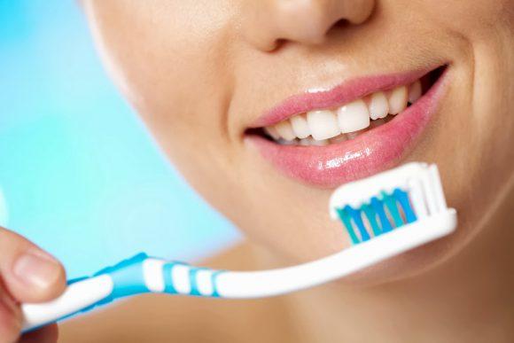 Чистка зубов: профилактика воспаления легких