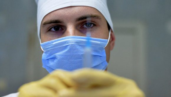 В России число госпитализированных с симптомами гриппа выросло на 14%