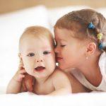 Младенцы вдвое чаще страдают от гриппа, если у них есть старшие брат или сестра