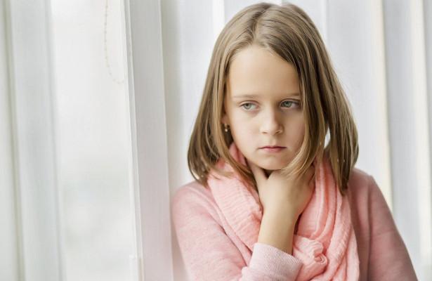 Боль в горле при гриппе: как помочь ребенку