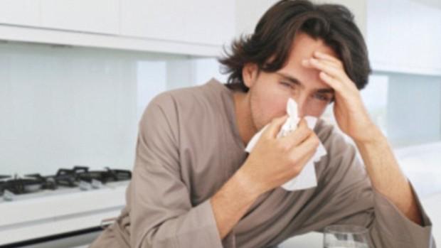Эксперты рассказали, почему вирусы чаще убивают мужчин, чем женщин