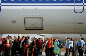 Медики рассказали, как не подхватить грипп в самолете