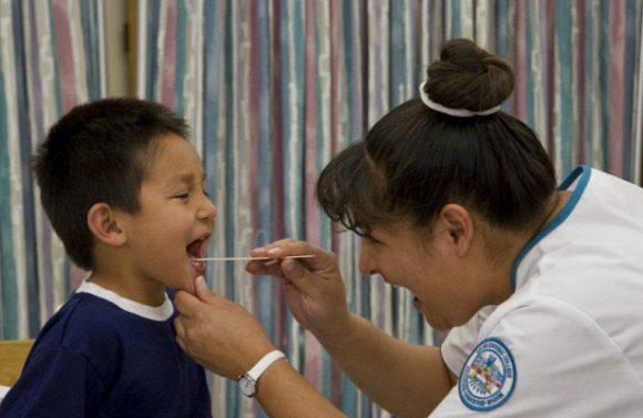 Удаление миндалин у самых маленьких чаще приводит к осложнениям