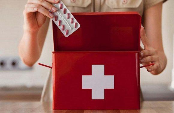 15 лекарств, которые помогут собрать универсальную домашнюю аптечку