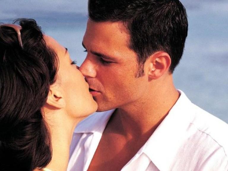 Через поцелуи передается десяток опасных инфекций