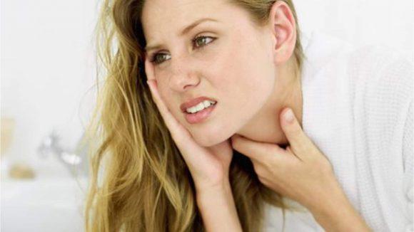 Врачи рассказали о главных принципах лечения болей в горле