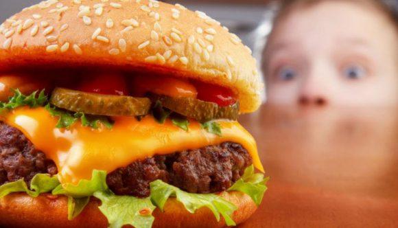 Жирная пища повышает риск возникновения астмы