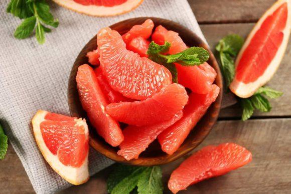 Этот фрукт делает много медикаментов опасными для здоровья