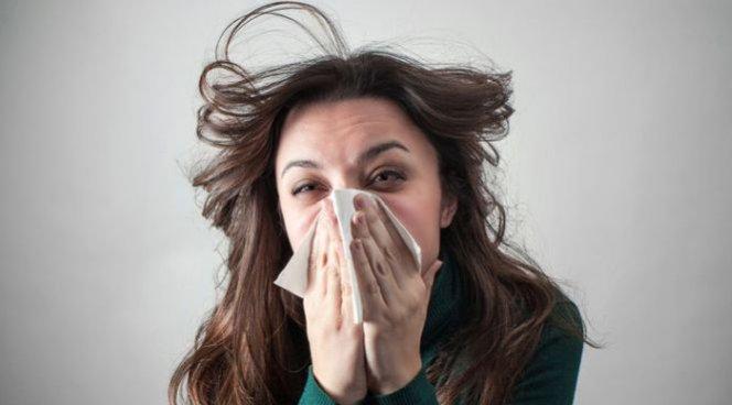Названы простые способы справиться с простудой