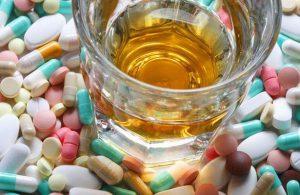 Можно ли запивать лекарства алкоголем?