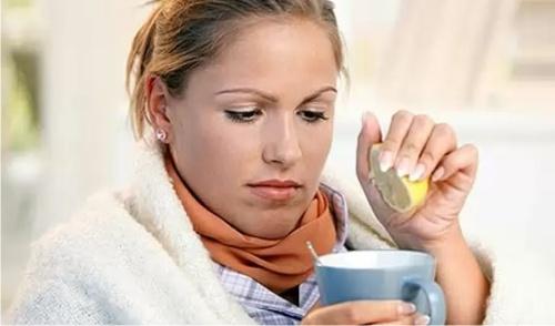 Названы лучшие напитки при первых признаках простуды