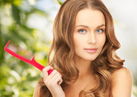 Потеря волос у женщин: как остановить