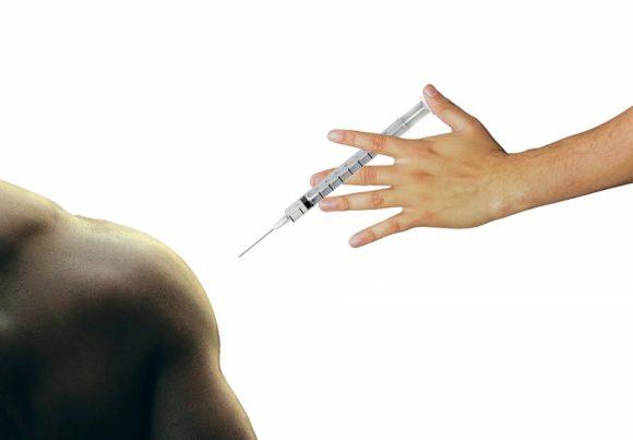 Поцелуи запрещены: минздрав взял под контроль вспышку менингита