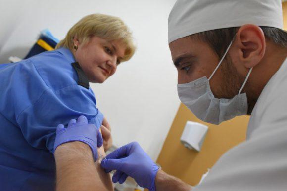Один укол — и защита от гриппа на весь год