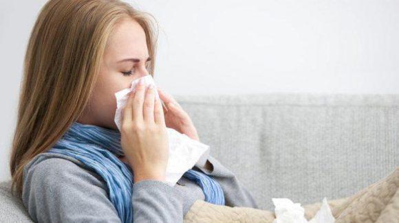 Египетские медики перечислили 6 лучших соков для облегчения симптомов простуды.