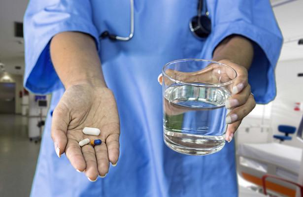 Врачи назвали вредные при коронавирусе лекарства
