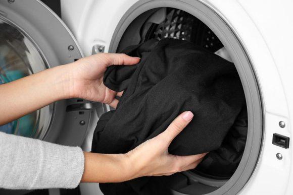 Как правильно обеззаразить одежду от коронавируса