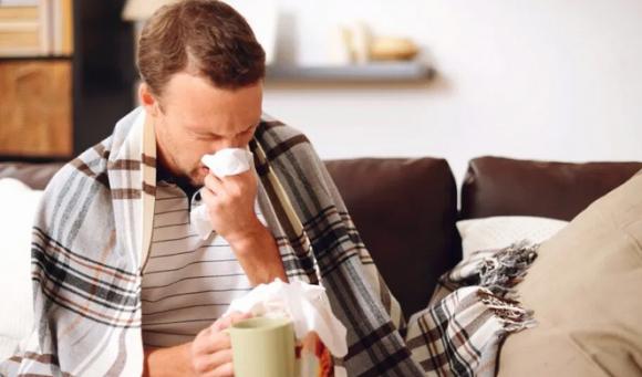 Названы продукты, которые лучше не употреблять во время простуды