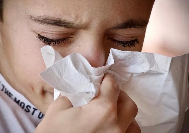 Названы главные отличия коронавируса от гриппа и ОРВИ