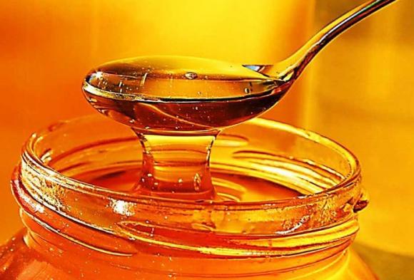 Санитарный врач рассказал о пользе меда при осенних ОРЗ