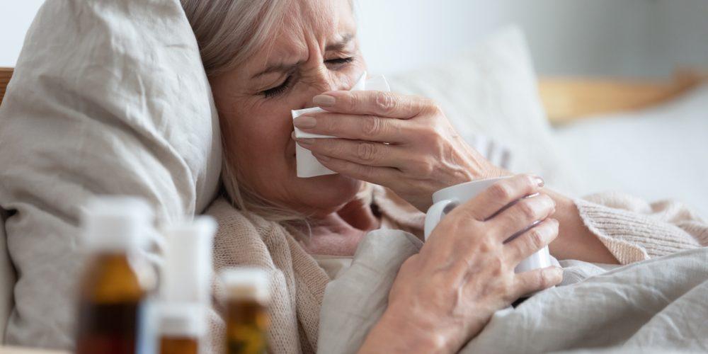 Назван главный симптом, отличающий COVID-19 от гриппа