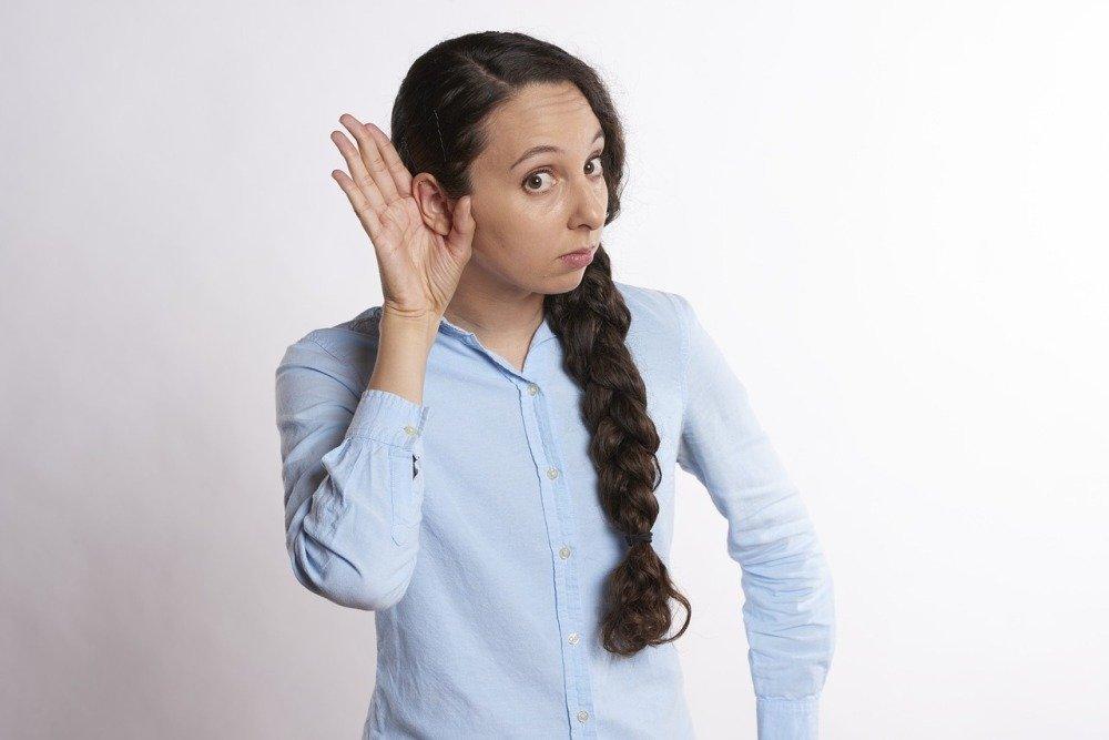Коронавирус может спровоцировать внезапную потерю слуха