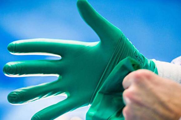 Вирусологи проанализировали распространенные мифы о коронавирусе