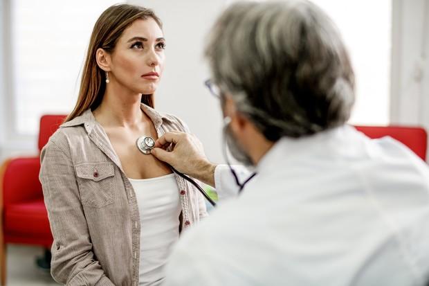 Почему скапливается жидкость в легких: отвечает врач