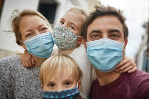 Защитный барьер: почему не все в семье болеют коронавирусом