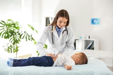Когда нужна помощь детского гастроэнтеролога