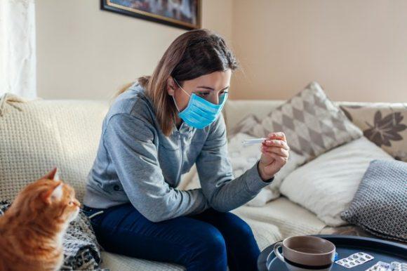 Можно ли заразиться ковидом повторно, и что делать, если снова появились симптомы: отвечает врач