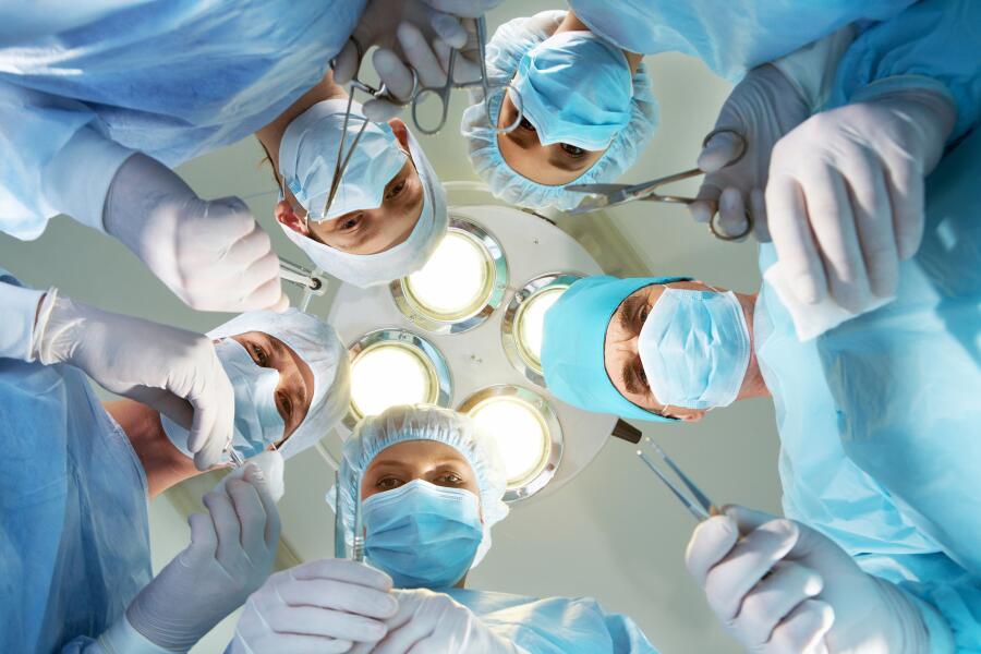 Стоит ли быть хирургом? Достоинства и недостатки профессии