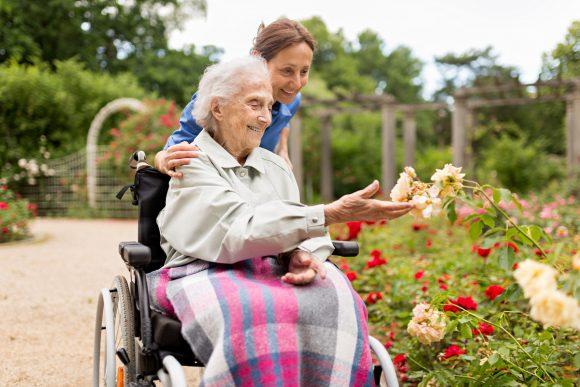 Уход за пожилыми в частных пансионатах
