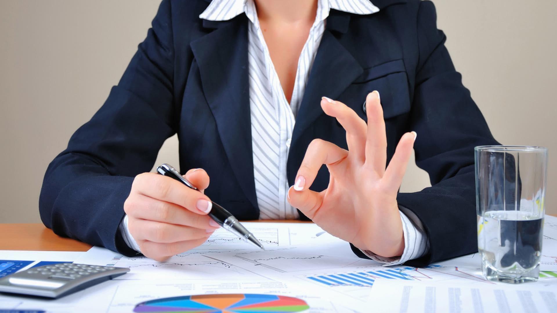 Выгодно ли получать консультацию по налогам от адвокатов?