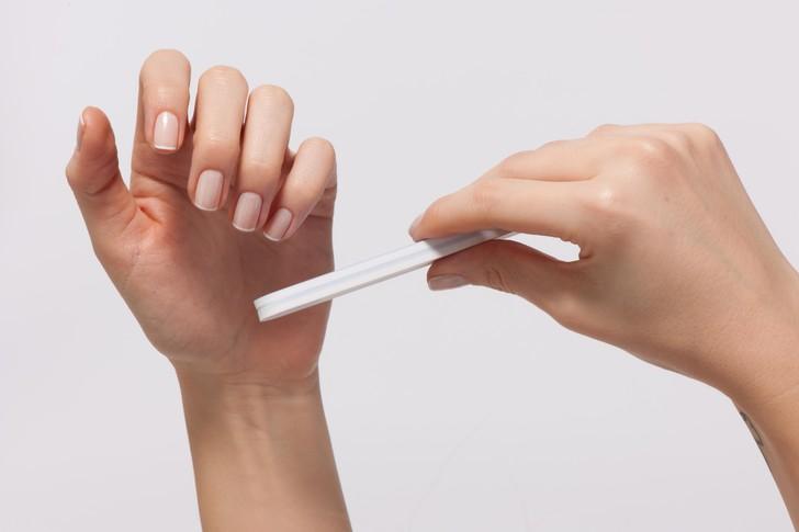 Способы определить COVID-19 по внешнему виду ногтей