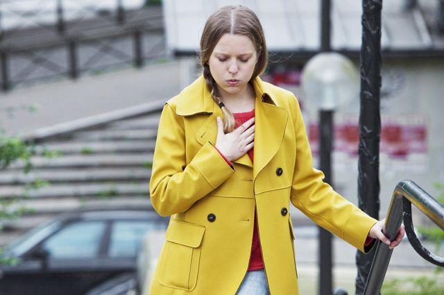 Специалисты назвали одышку самым опасным симптомом COVID-19